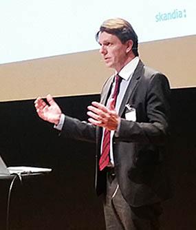 Axel Brändström: Nyckeln till framgången är en kombination av försiktig diversifiering över flera tillgångsklasser, långsiktiga investeringar och en kapitalstyrka.