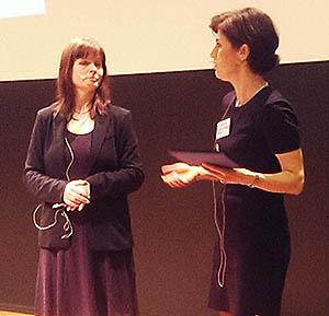 Åsa Larson, Finansinspektionen, gick igenom nya försäkringsregler. Moderator Sophie Nachemson-Ekwall.