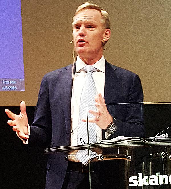 Frans Lindelöw, Skandias koncernvd, talade fritt utan bilder och manuskript.